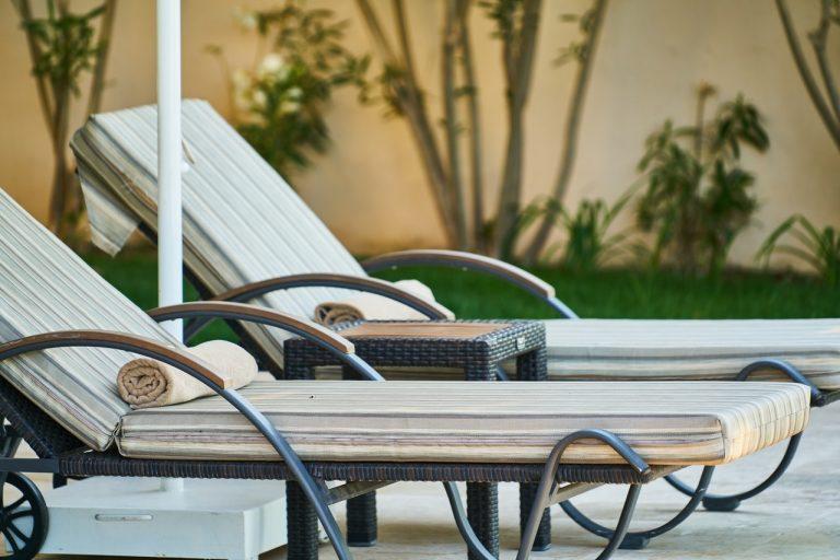 Pripravite se na poletno sezono in izberite svoj vrtni ležalnik